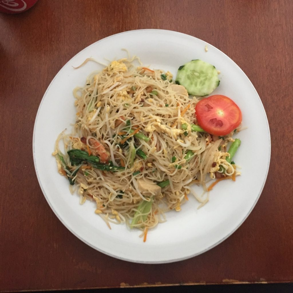 A fresh and crisp bihun goreng with seafood at Borneo 8.