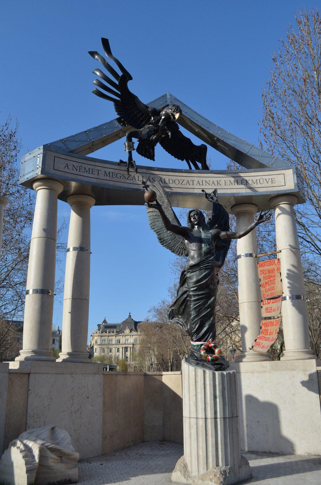 The Budapest Parliament|Memorial