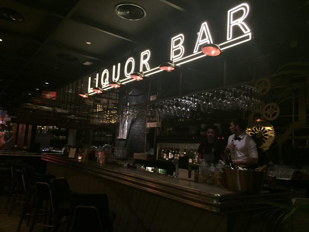 Bazxar, DIFC |Prohibition 1920's brunch in Dubai|bar