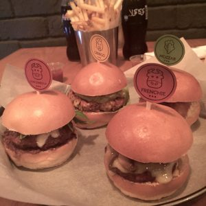 Check out the best burger places in Dubai at www.omnomnirvana.com. Smokin 9