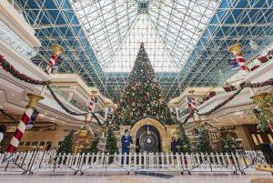 How to Spend Christmas in Dubai|Wafi Santa's Grotto