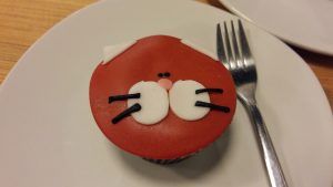 La Gateria cat cafe in Mexico city has cute kitty cupcakes