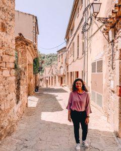 Walking through Mura | Day trip from Barcelona