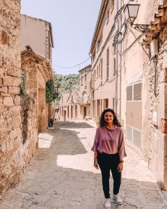 Walking through Mura | Day trip from Barcelona
